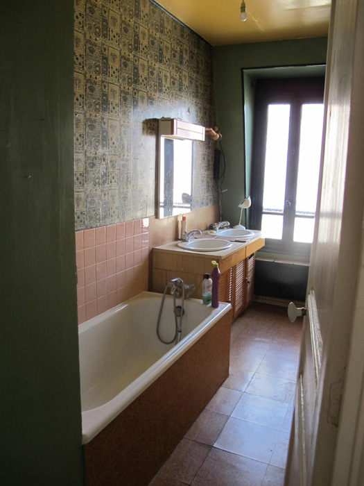 Salle de bain carrelage p te de verre interieurs sophie for Pate de verre salle de bain