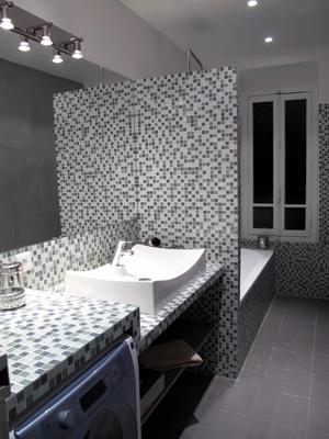 Salle de bain carrelage p te de verre interieurs sophie for Carrelage pate de verre salle de bain