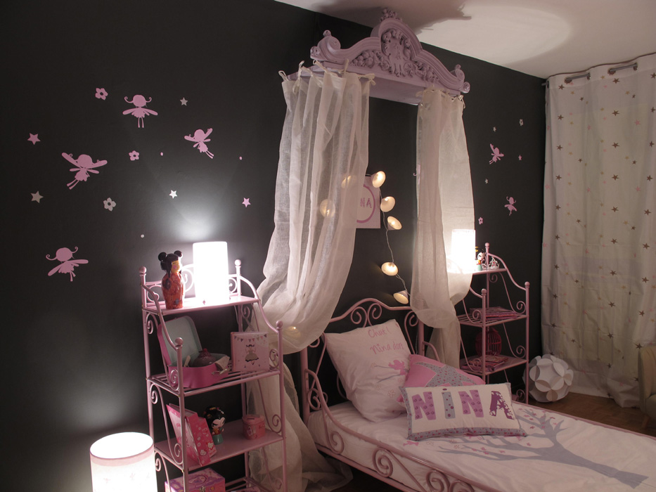 chambre princesse rose et grise d co sophie levitte. Black Bedroom Furniture Sets. Home Design Ideas